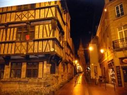 Bayeux, à noite