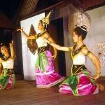 Bailarinas em Chiank Mai, Tailândia