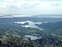 Bergen, Noruega,vista área- Foto Manual do Turista