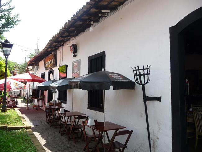 Restaurante em Embú