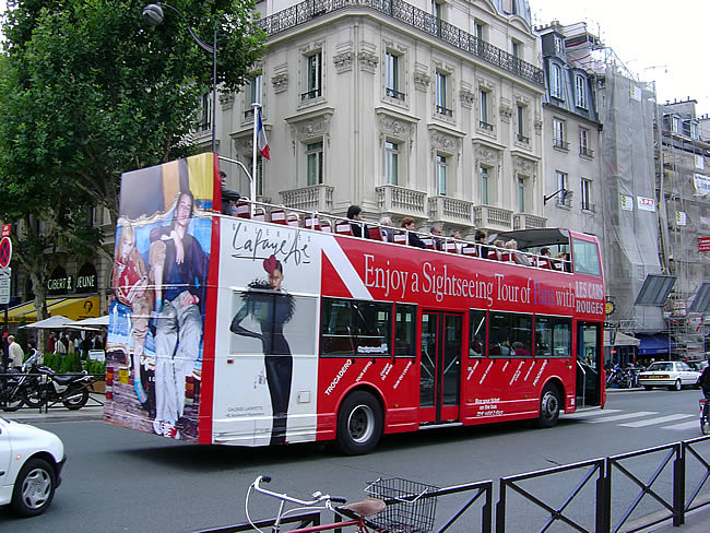 PARIS_BUS-ROUGE