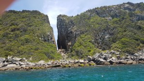 Fenda de N. Sra., litoral de Arraial do Cabo