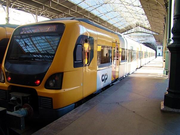 Trem em Portugal