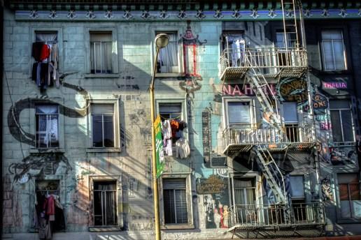 Bairro-popular-em-San-Francisco-Foto-Sagesolar-CCBY