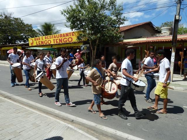 Jovens ensaiando Maracatu, Alto do Moura, Caruaru