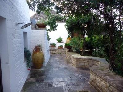 Jardim de um trulli em Alberobello
