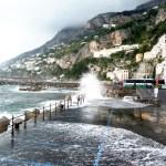Amalfi, Costa Amalfitana em novembro: mar bravo impede passeios de barco