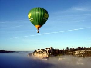 Voo de balão sobre o santuário medieval de Rocamadour