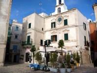 Polignano Al Mare, pracinha na cidade velha