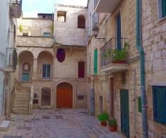 Polignano Al Mare, beco na cidade antiga