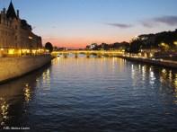 Paris ao anoitecer, primavera