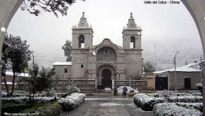 Cidade de Chivay sob a neve, Valle del Colca, Peru