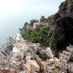 Vista da Costa Amalfitana a partir de Ravello, Itália
