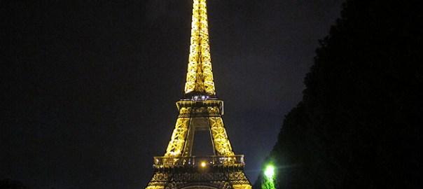Tour Eiffel à noite, Paris