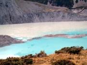 Lago vulcânico na região de Rotorua, North Island, Nova Zelândia