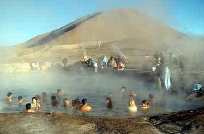 Piscina natural de água quente, em El Tatio, Atacama, Chile