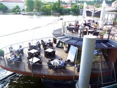 Barco-café em Praga