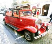 Carro antigo em Praga