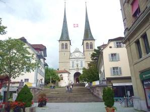 Igreja no centro histórico de Lucerna