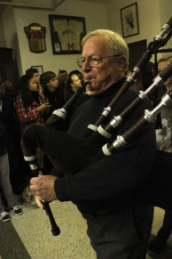 Former science teacehr Mr. Larry Fredericksen played the bagpipes before the eulogy. Photo by Taylor Ratliff