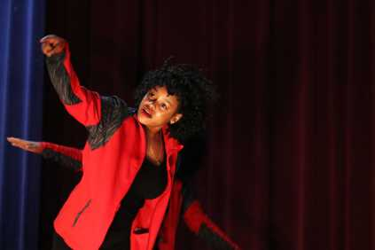 Ce'Asia Williams interacts with audience during an energy filled routine. Photo by Grace Bradley.