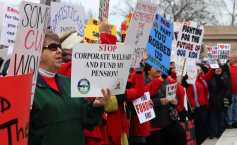 Teachers and other public sector employees protest SB 1. Photo by Phoebe Monsour