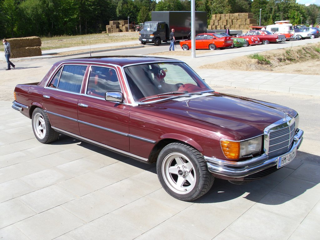 hight resolution of mercedes 450
