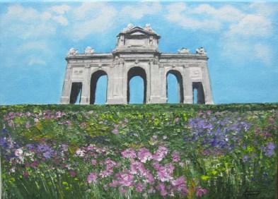 Puerta de Alcalá con flores