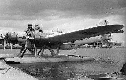 Bombardero italiano CANT-Z.