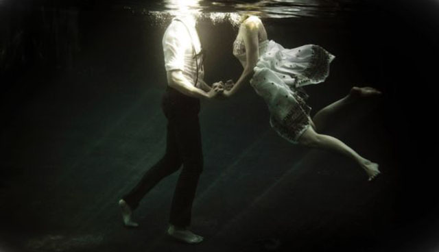 Berührende Unterwasser-Liebesgeschichte