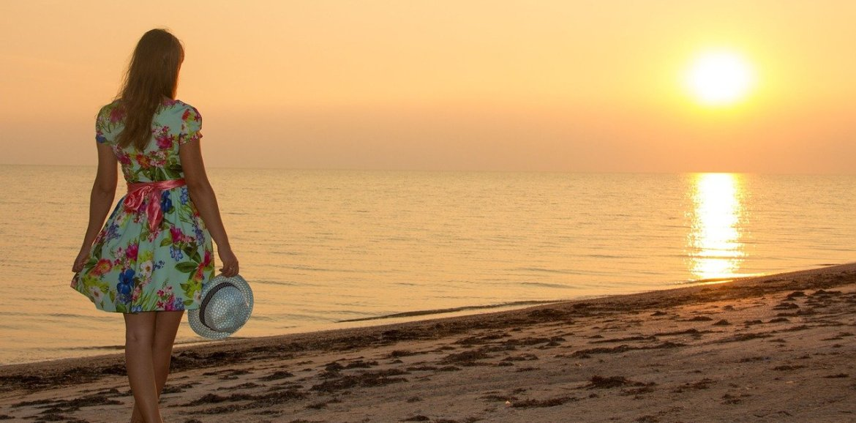 girl, sea, sunset-2211224.jpg