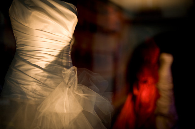 Schaufenster mit Brautkleidern