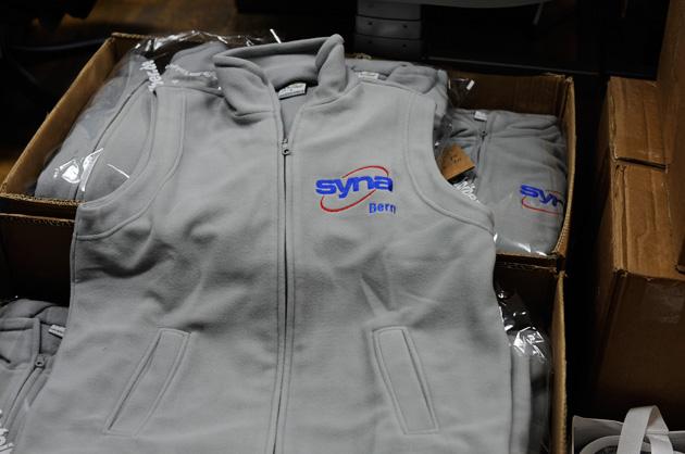 Gilet mit dem Logo Syna-Bern