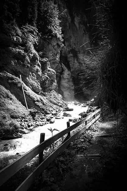 Wasserfall auf dem Weg zwischen der Griesalp und dem Tschingelsee.
