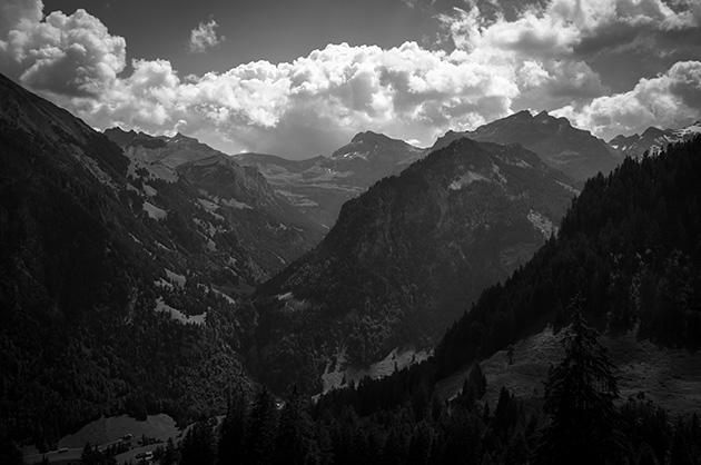 Ramslauenen, Blick von der Bergstation auf die Gegenseite des Tales.