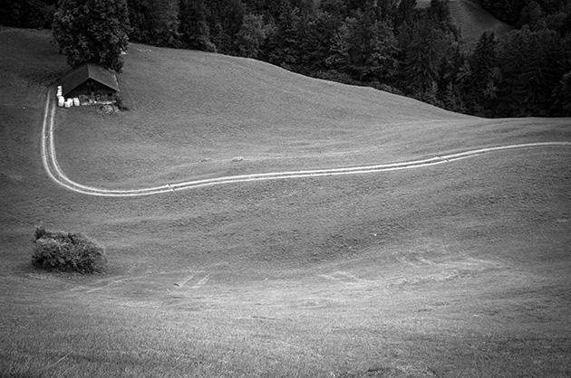 Kiental Ramslauenen, auf dem Weg ins Tal, kurz bevor man die Talstation der Sesselbahn wieder erreicht.