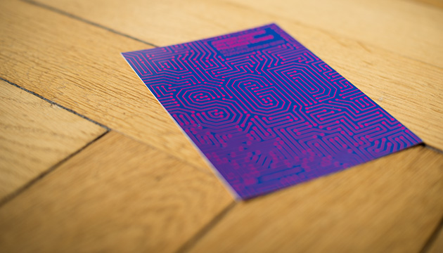 Postkarte mit dem Sujet der SGD Mitgliedeversammlung von 2019, gestaltet von Nora Wieszinski, Definitiv Design