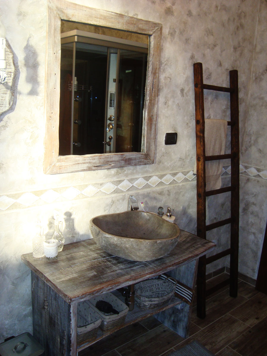 Artigianato per la casa in legno pietra e ferro a Osimo