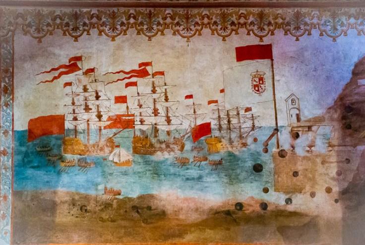 Mural realizado por el pintor José Mesa (s. XVIII) en la pared de la iglesia parroquial de San Sebastián para recordar la Batalla de La Gomera contra la armada inglesa. (Foto de Manuel Mora Morales).