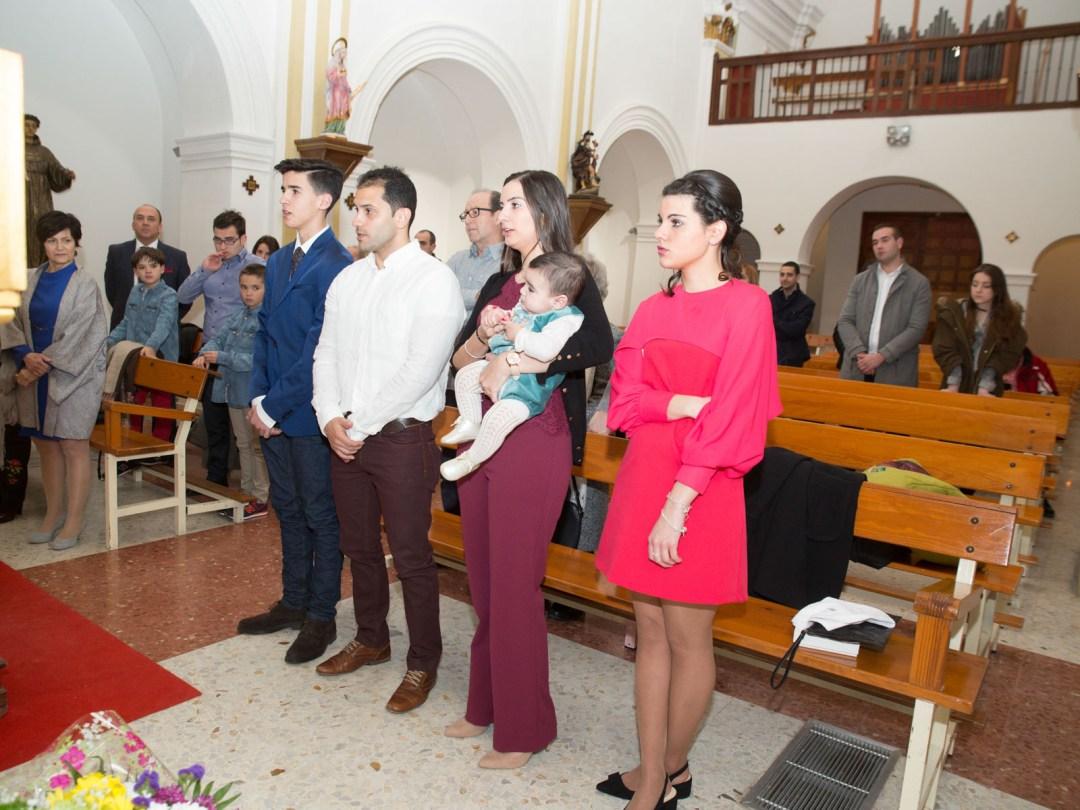 Reportaje de bautizo en Cuarte de Huerva, Zaragoza. Fotografía de bautizos. 2