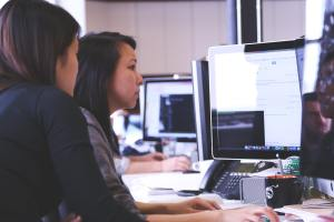 virtual assistants using computer