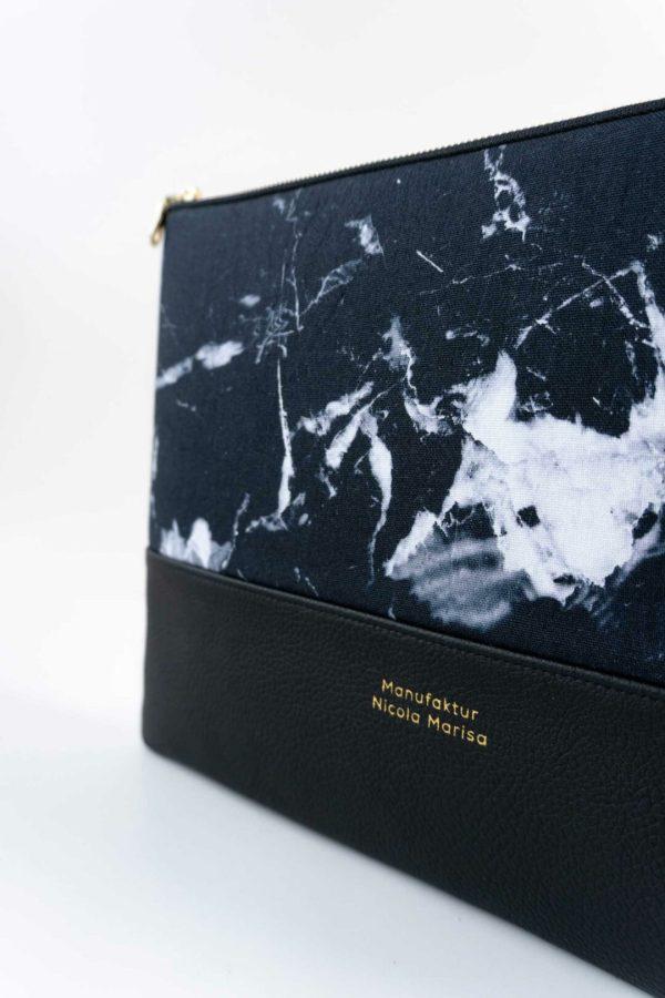 nachhaltige laptophuelle marble dark marmor gold handmade in germany 13 zoll 14 zoll 15 zoll manufaktur nicola marisa 3 Laptophülle MARBLE DARK