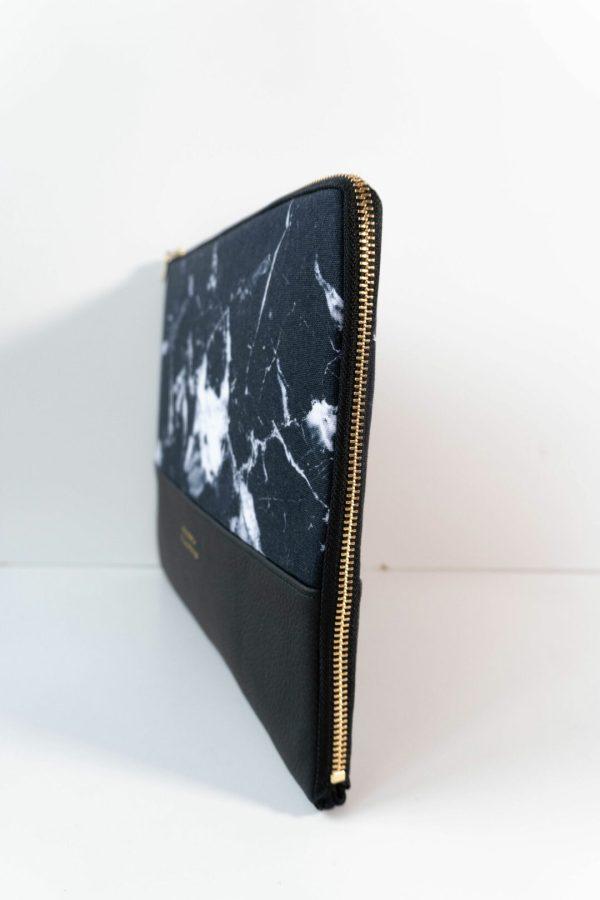 nachhaltige laptophuelle marble dark marmor gold handmade in germany 13 zoll 14 zoll 15 zoll manufaktur nicola marisa 5 Laptophülle MARBLE DARK