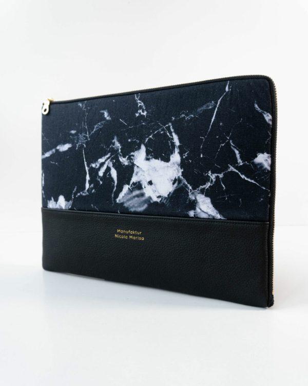 nachhaltige laptophuelle marble dark marmor handmade in germany 13 zoll 14 zoll 15 zoll manufaktur nicola marisa Laptophülle MARBLE DARK