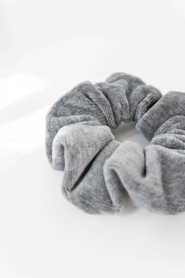 Hellgraue Scrunchies made in Germany