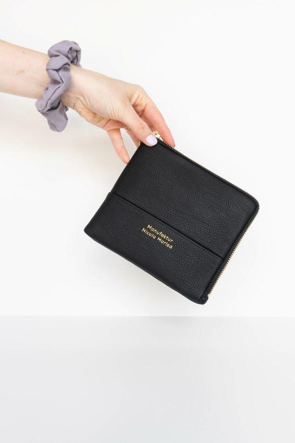 PURE BEIGE Accessory bag Zubehörtasche aus veganem, schwarzen Leder made in Germany Manufaktur Nicola Marisa