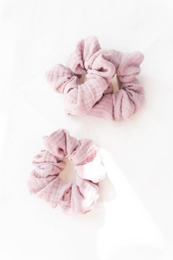 nachhaltiges Musselin-Scrunchie Biobaumwolle made in Germany OLD ROSE
