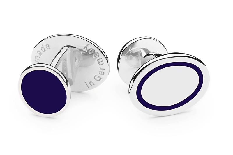 Manufakturen-Blog: Manschettenknopf 'Blaues Band' mit blauem Knopf-Gegenstück (Foto: Deumer)