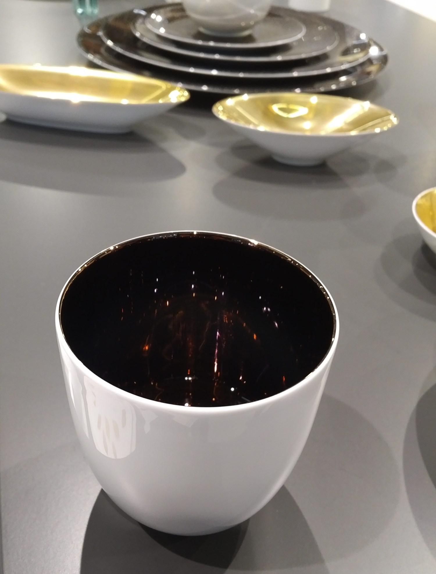 """Manufakturen-Blog: Dibbern hat auch Champagner-Becher entwickelt, hier """"Purple Titanium"""" (Foto: Wigmar Bressel)"""