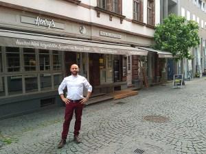 Manufakturen-Blog: Henry's Eismanufaktur Testeisdiele Eisdiele Kappenstraße 1, Saarbrücken Dominik Heil (Foto: Wigmar Bressel)